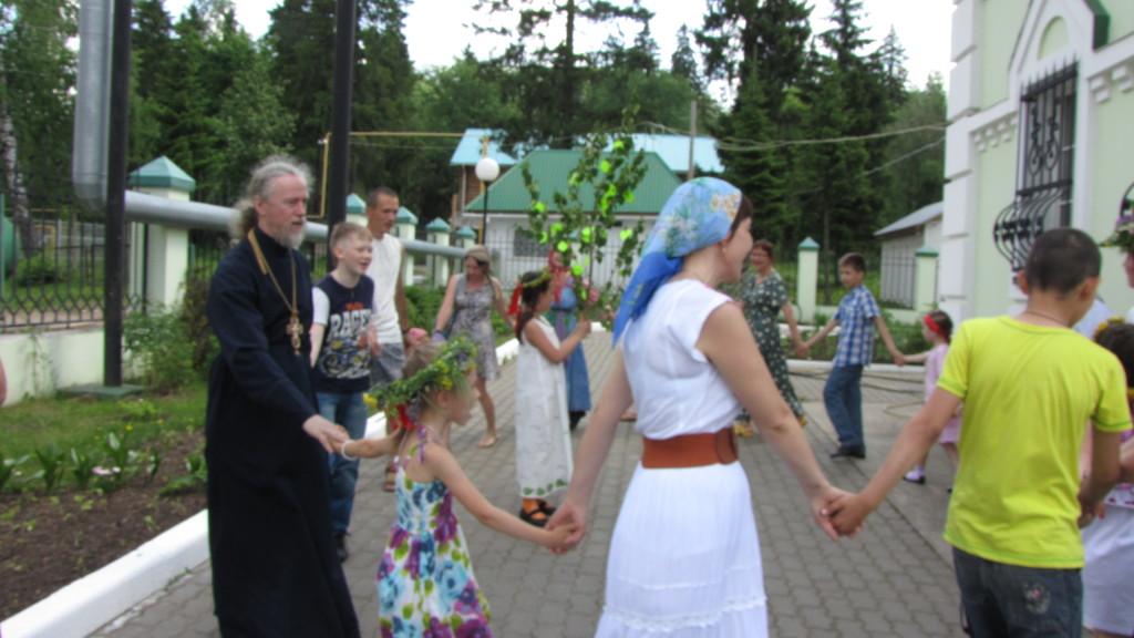 Праздник Святой Троицы на приходе храма Царственных Мучеников, г. Ижевск
