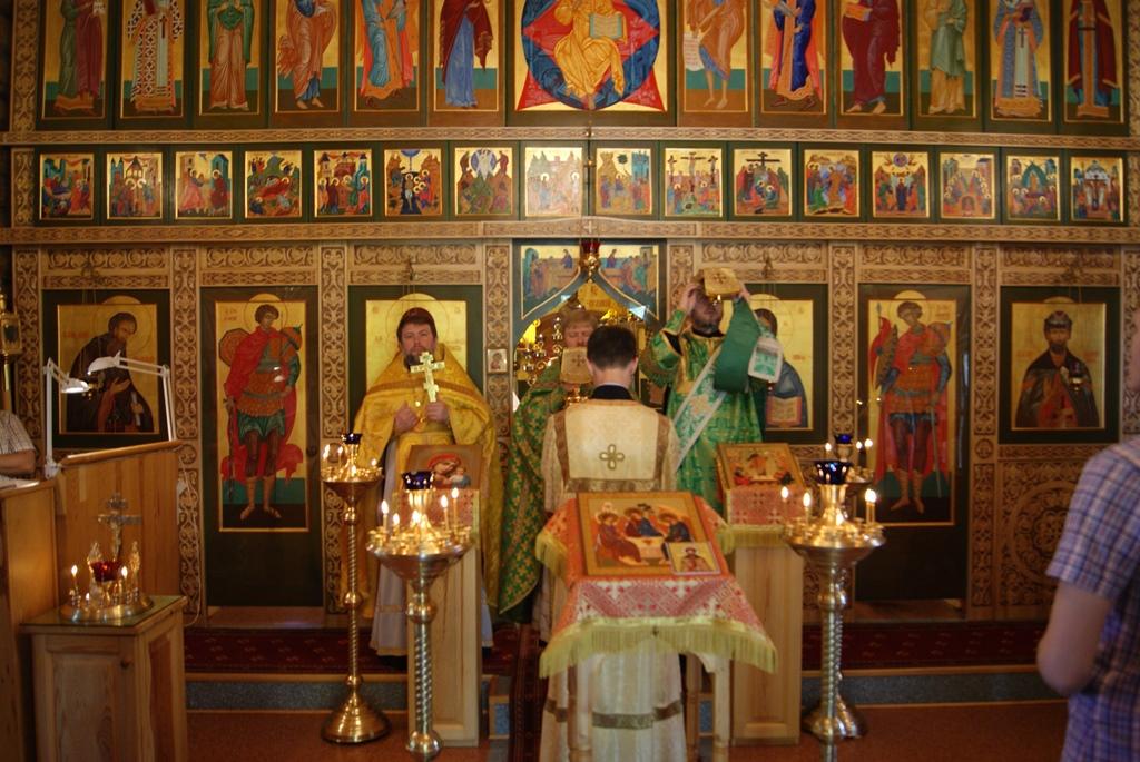 В храме св. Димитрия Донского прошел престольный праздник