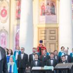 Большой хоровой собор прошел на ступенях Александро-Невского кафедрального собора
