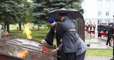 Священник принял участие в ритуале принятия присяги сотрудниками МВД
