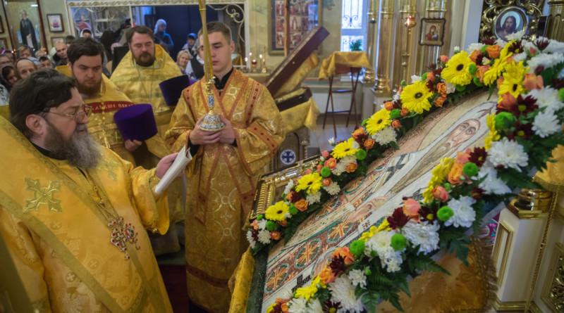 Митрополит Викторин совершил Божественную литургию в храме свт. Алексия Московского г. Ижевска