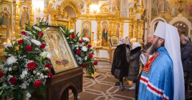 В день Собора Архистратига Михаила митрополит Викторин совершил Божественную литургию в Михайловском соборе