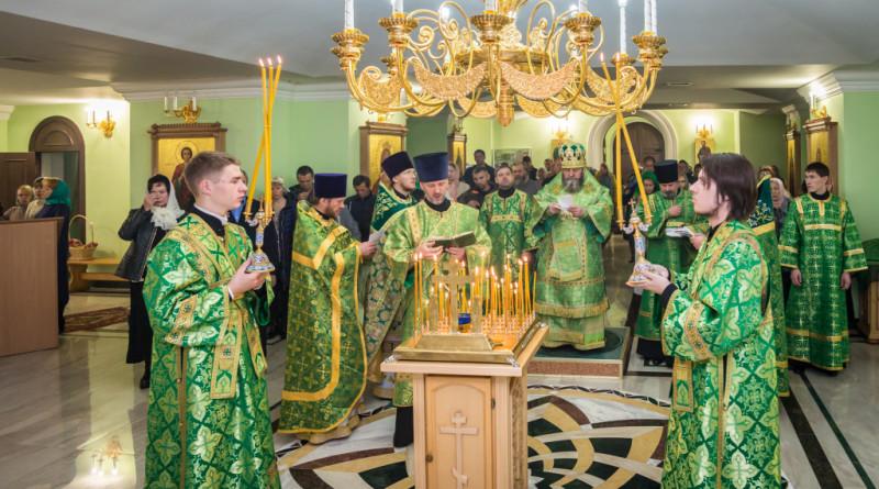 Престольный праздник в храме Державной иконы Божией Матери