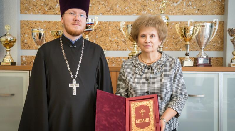 Представитель епархии поздравил ректора УдГУ с 85-летием вуза