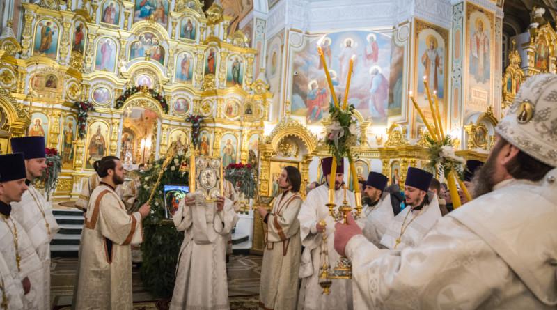 Архипастырское богослужение в Рождественскую ночь