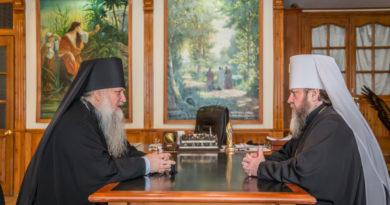 Состоялась рабочая встреча митрополита Викторина и епископа Виктора