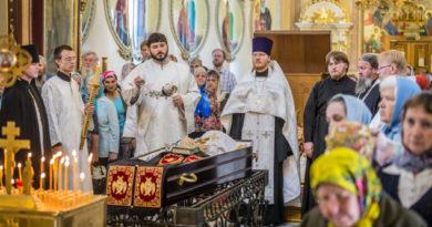 В соборе Александра Невского состоялось прощание с новопреставленным архимандритом Ювеналием
