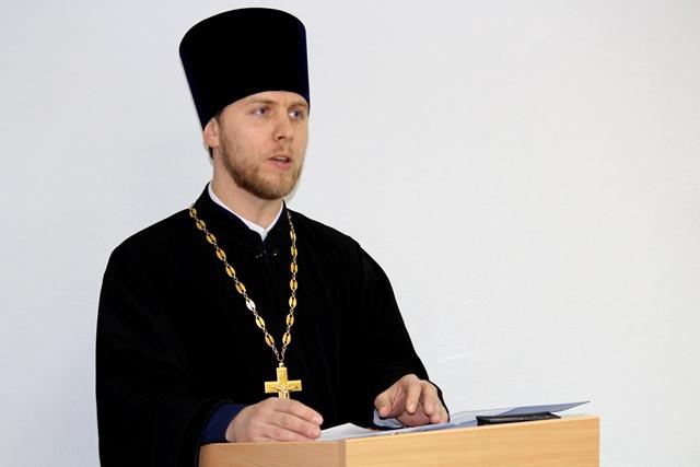 Священник принял участие в работе Антинаркотической комиссии