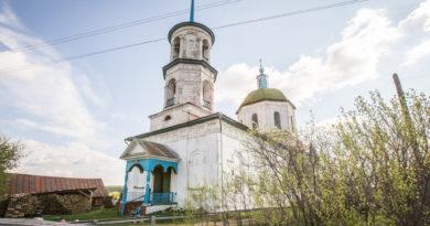 Правящий архиерей посетил храм в с. Короленко