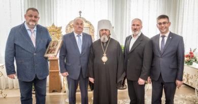 Члены Общественной палаты Удмуртии поздравили митрополита Викторина