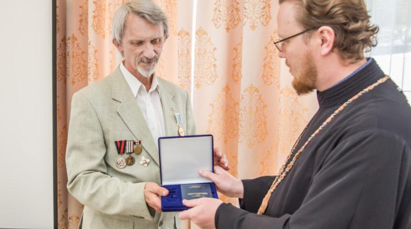 Директора Епархиального духовно-просветительского центра наградили медалью «За жертвенные труды»