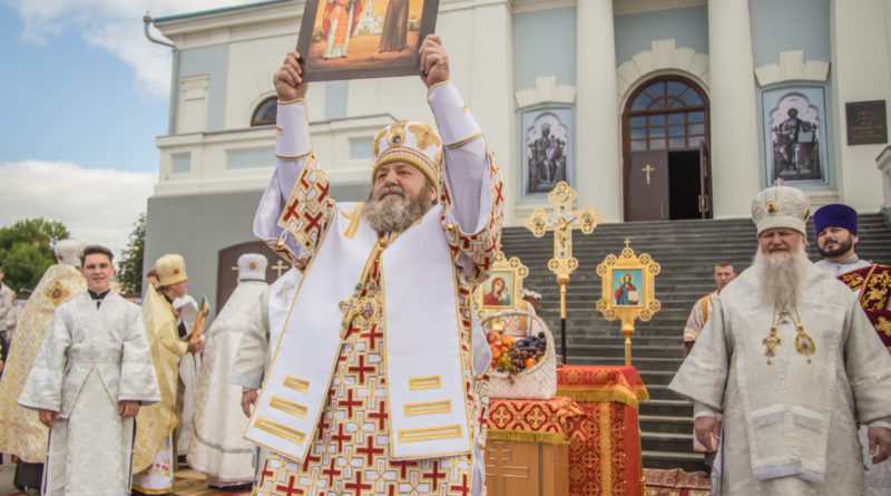 В Воткинске состоялся чин прославления сщмч. Николая Чернышева и его дочери Варвары