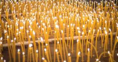 О свечах, купленных вне храма