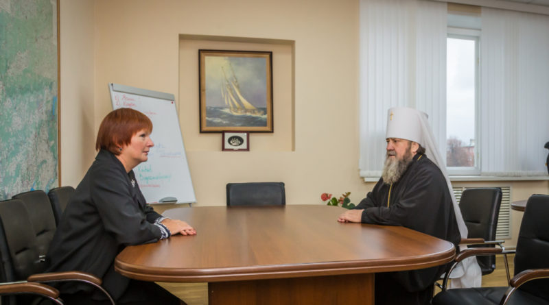 Митрополит Викторин встретился министром образования