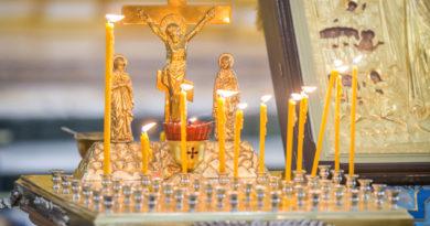 В Михаило-Архангельском соборе совершили панихиду по погибшим сотрудникам МВД
