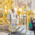 Служение митр. Викторина в день праздника Введения во Храм Пресвятой Богородицы