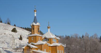 Архипастырское богослужение в монашеской общине ур. Паздеры