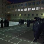 Священник напутствовал сотрудников МВД, отправляющихся в служебную командировку