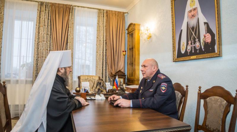 Митр. Викторин обсудил вопросы безопасности во время праздничных богослужений с представителем МВД