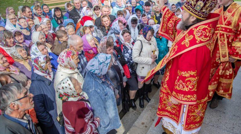В Неделю Антипасхи митрополит Викторин посетил Храм Воскресения Христова с. Кизнер