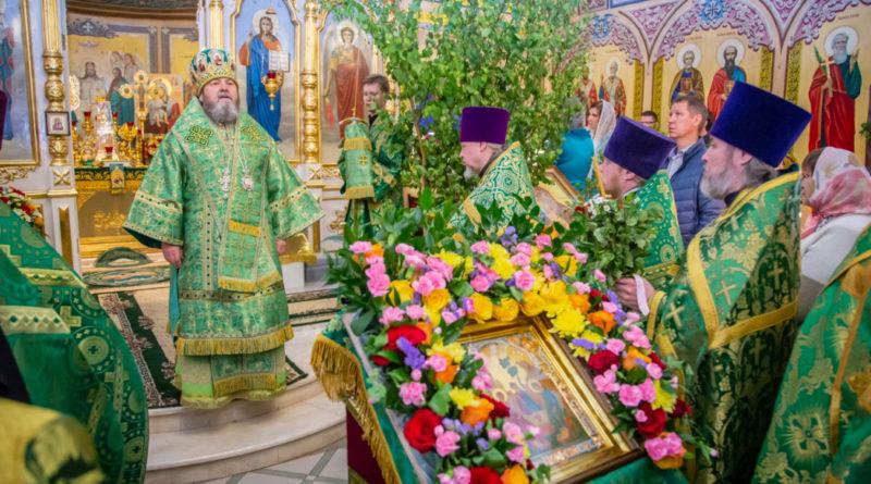 Престольные торжества в Свято-Троицком соборе г. Ижевска