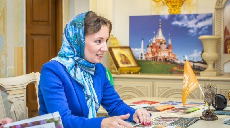 Детский омбудсмен России ознакомилась с деятельностью епархии по защите материнства и детства