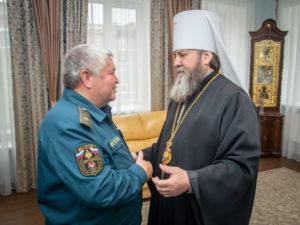 Митрополит Викторин поздравил начальника МЧС УР с юбилеем