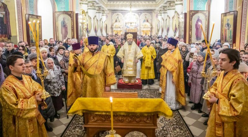 Митрополит Викторин помолился о жертвах дорожно-транспортных происшествий