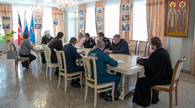 В епархиальном управлении состоялись встречи, посвященные празднованию Пасхи