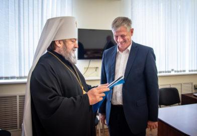 Митрополит Викторин поздравил с юбилеем Главу г. Воткинска
