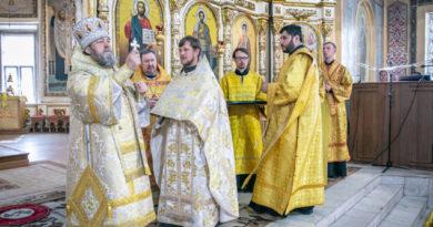 Архиерейское служение в Неделю 6-ю по Пятидесятнице
