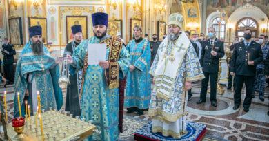 В день солидарности в борьбе с терроризмом митрополит Викторин совершил поминальные богослужения
