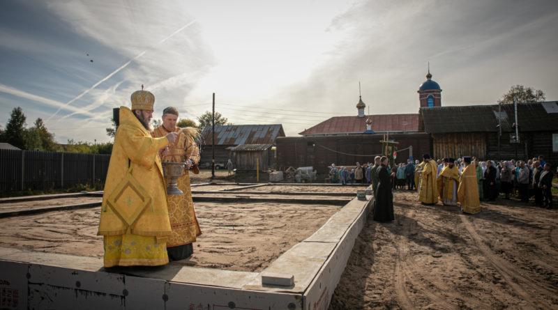 Состоялся архипастырский визит в Свято-Троицкий храм п. Кизнер