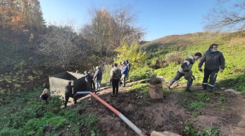 Рядом с Ижевском в деревне Каменное готовится к освящению источник