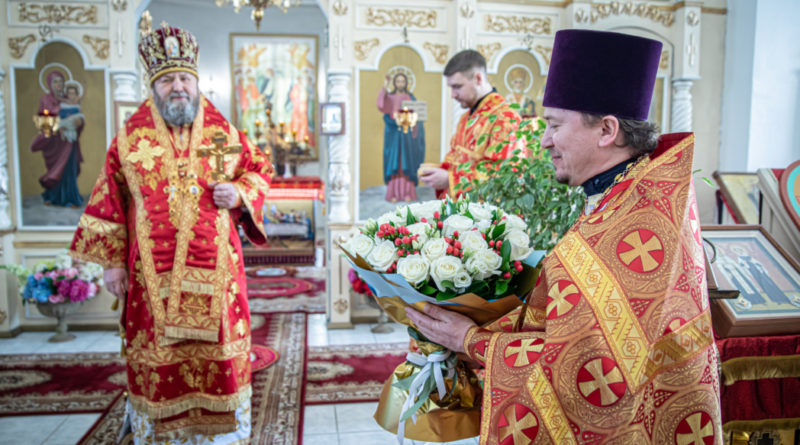 Митрополит Викторин посетил храм в с. Завьялово