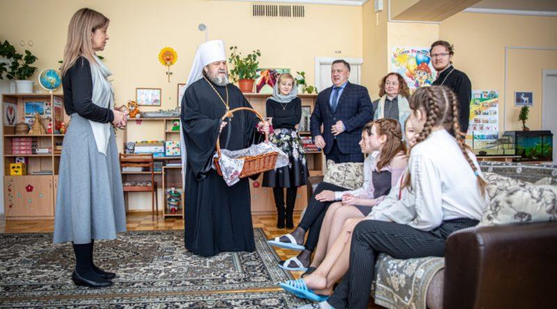 Митрополит Викторин посетил Республиканский детский дом