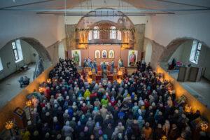 Совершена первая литургия в верхнем храме Благовещенского собора г. Воткинска