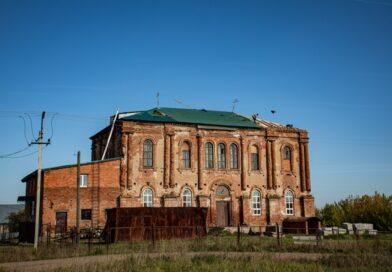 Митрополит Викторин призвал верующих поддержать пострадавший от урагана храм в с. Юськи